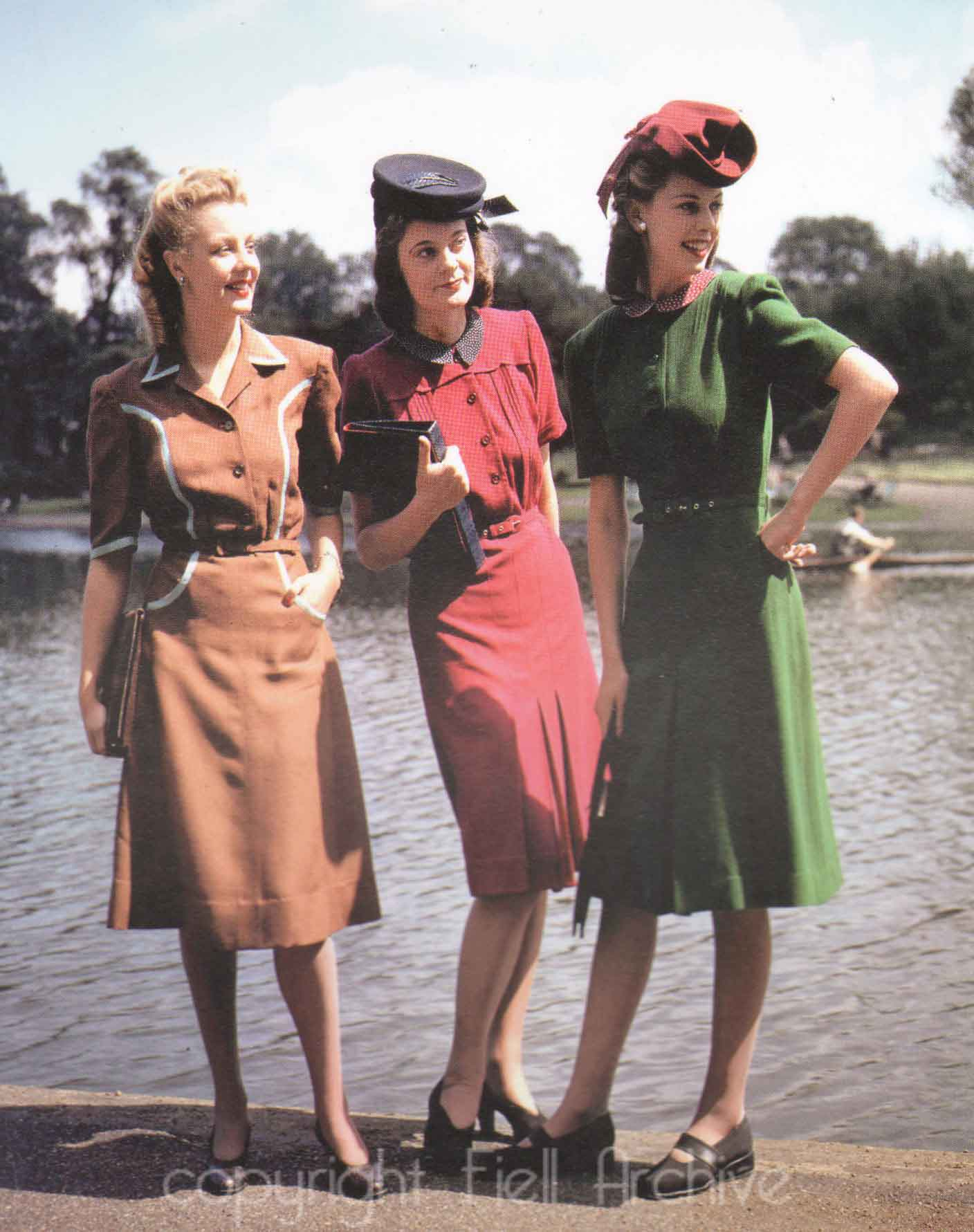 62 Vintage Photos Showing Womens Fashion During the 1940s