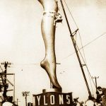 1930's Fashion – The invention of Nylon Stockings !