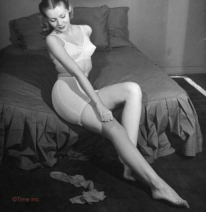 Vintage-Nylon-Stockings--1945---life-magazine