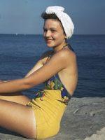 1940s-swimwear-glamour
