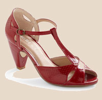 Hot-for-Hemlock-Heel-in-Crimson