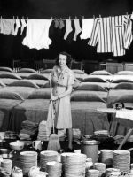 1940s-housewife-typical-day