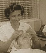 1950s-beauty-salon-facial