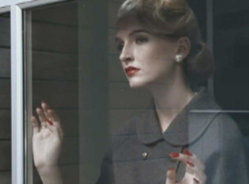 Nine-steps-to-the-perfect-1940s-pout3
