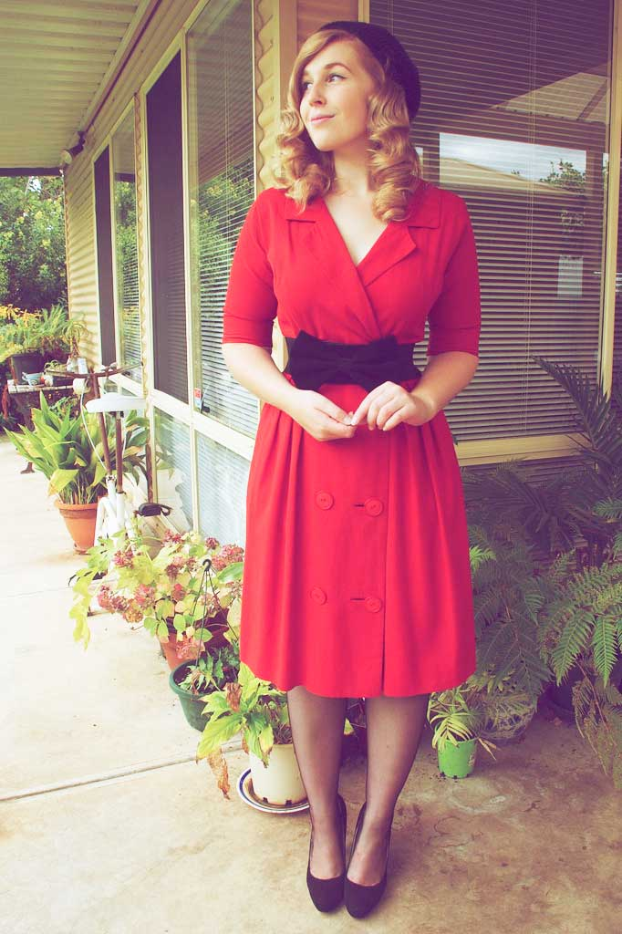 1940s Day Wear: Easy Guide To A 1940's Woman's Dress & Style