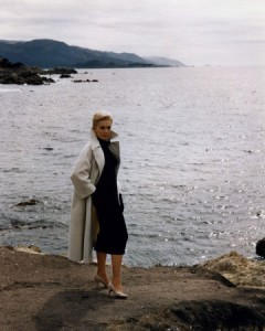 Kim-Novak---Vertigo-white-coat-with-black-dress-and-shoes-by-Edith-Head