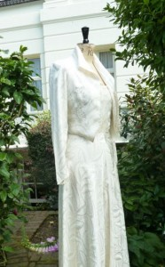 1940s-wedding-dress-style -padded shoulders - puff sleeves