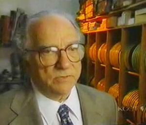 Murray-at-Work-in-his-studio