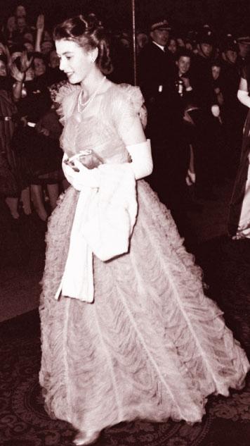 queen elizabeth 11 1950s style icon