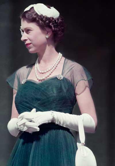 queen elizabeth 11   1950s style icon glamourdaze
