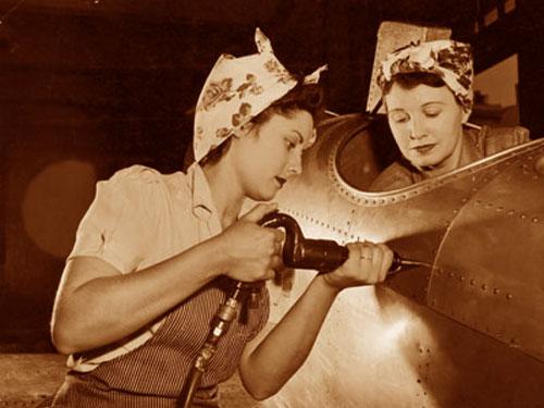 women 39 s role during the war glamourdaze. Black Bedroom Furniture Sets. Home Design Ideas
