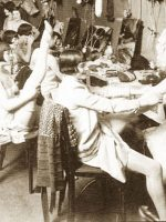 1920s-chorus-girls-dressing-room2