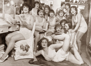 The-Hoffman-Girls---dressing-room--Moulin-Rouge-in-Paris-1924