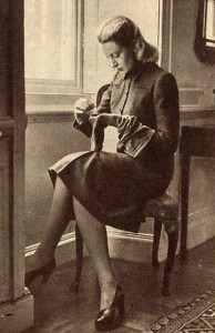 Deborah-Kerr-models-a-1940s-Utility-Jaeger-suit-2