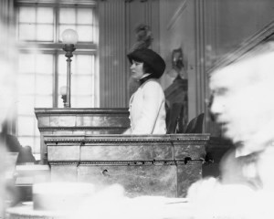 Evelyn_Nesbit appears in court
