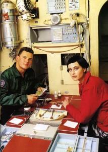 cosmonaut-fashion-arthur-elgort6-Natalia-Semanova