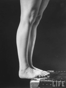 1940s-Womens--Army-Corp---Leg-and-Feet-Exercises---Life-Magazine1b