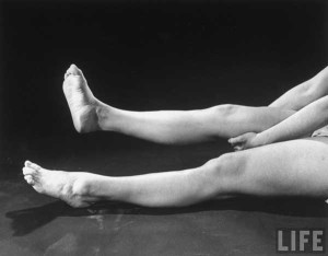 1940s-Womens--Army-Corp---Leg-and-Feet-Exercises---Life-Magazine4b