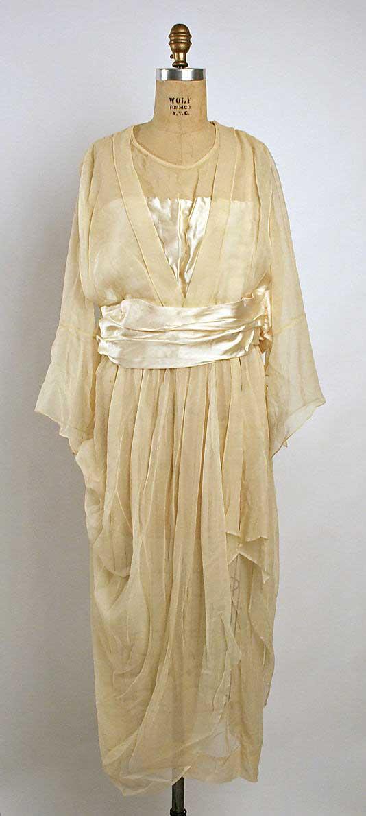 Be a 1920 s gatsby style bride vintage wedding dress ideas