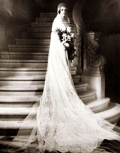 For Those Of You Heading The Alter I Thought We Could Have A Quick K At 1920s Bridal Gowns