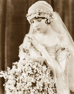 1920s-brides5---with-juliet-cap-veil