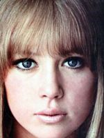 Patti-Boyd-1960s-London-look-makeup-look-small