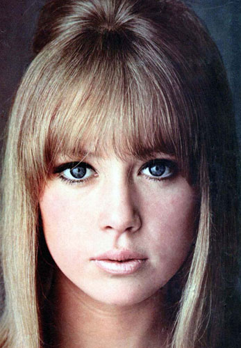 Patti-Boyd-1960s-London-look-makeup-look