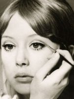patti-boyd-1960s-eye-makeup-feature