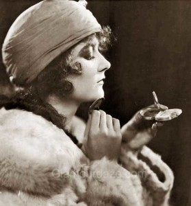 1920s-makeup---mary-philbin-makeup