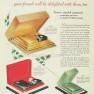 1929---Tre-Jur-makeup-compacts