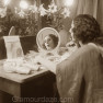 Anna-Pavlova---applying-makeup---1910--Library-of-Congress