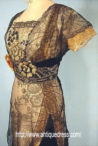 1909 Evening gown - no train with high waist