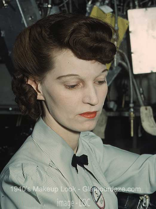 Electronics-technician---1940s-makeup-look--1944-LOC