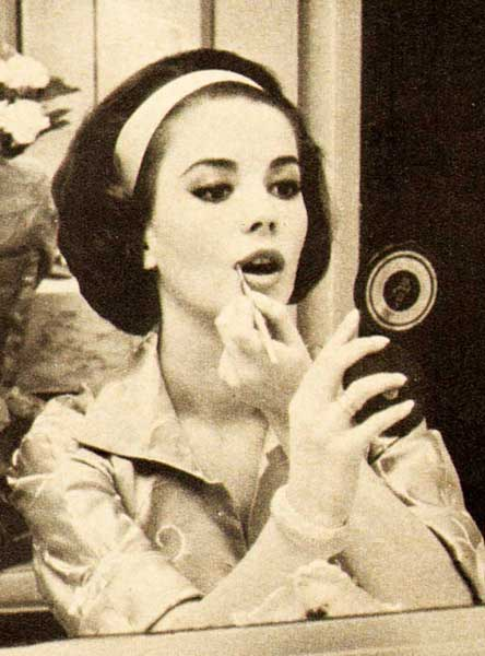 Natalie Wood S 5 Step 1960 S Makeup Routine Glamour Daze