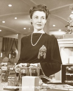 Neiman-Marcus---1945----the-most-beautiful-sales-woman-in-the-world