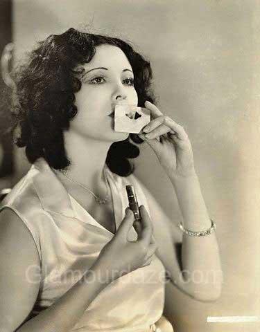 Raquel-Torres---1920s-makeup