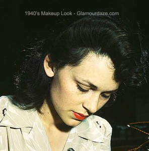 Woman-aircraft-worker---1940s-makeup-look-1942