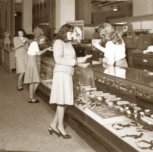 1940's Department Store Fashion - Louisville