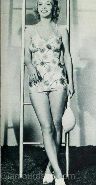 1940s-fashion---Hollywood-stars-swimwear-styles--Carole-Landis