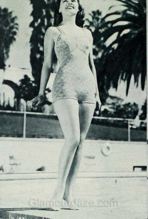 1940 S Fashion Swimwear Styles Of The Stars June 1940