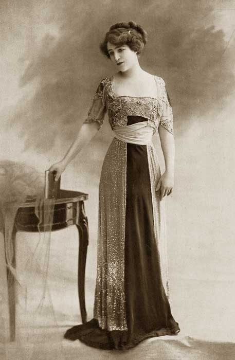 1910 – Paris Summer Fashions – amusing review. | Glamourdaze
