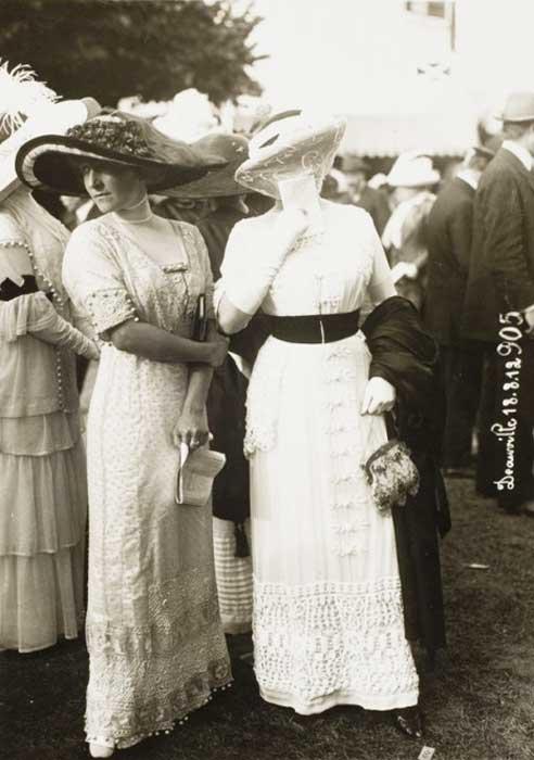 ee876be9f0c 1910 - Paris Summer Fashions - amusing review.