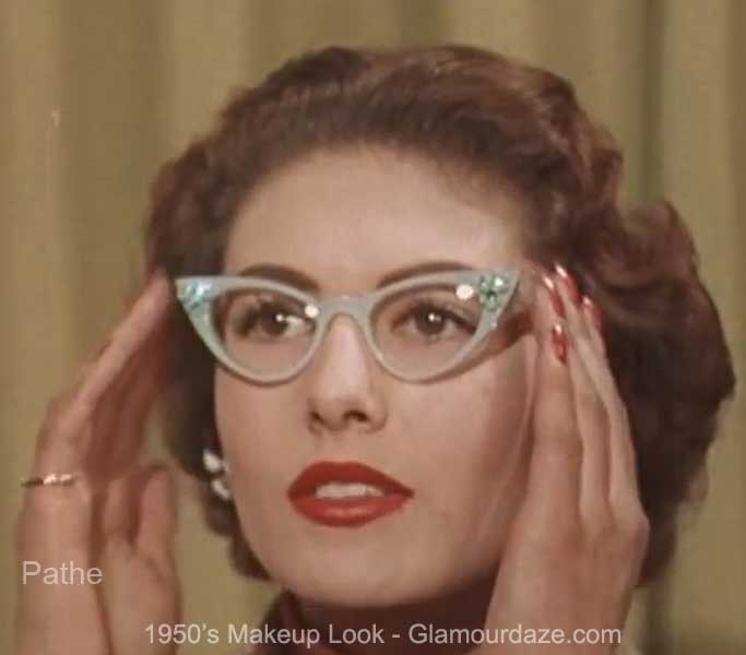 girls-who-wear-glasses---1950s-eye-makeup-advice7