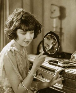 1920s-girl-applys-her-makeup