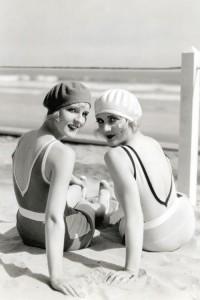 1920s swimwear - 1928 -Diane Ellis and Carole Lombard.
