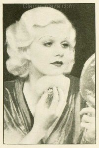 1930s-Makeup---The-Jean-Harlow-Look---powder