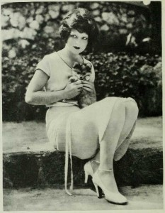 Hollywood-1926---Yale-student-attempts-suicide-over-Clara-Bow.