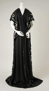 1909-Negligee--Met-Museum---Gift-of-Mrs.-Harry-T.-Peters,-1950