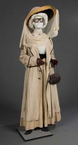 1910-Motorin-g-fashion---duster-and-hatwear