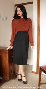 1940s-skirt-and-blouse---esmeandthelaneway